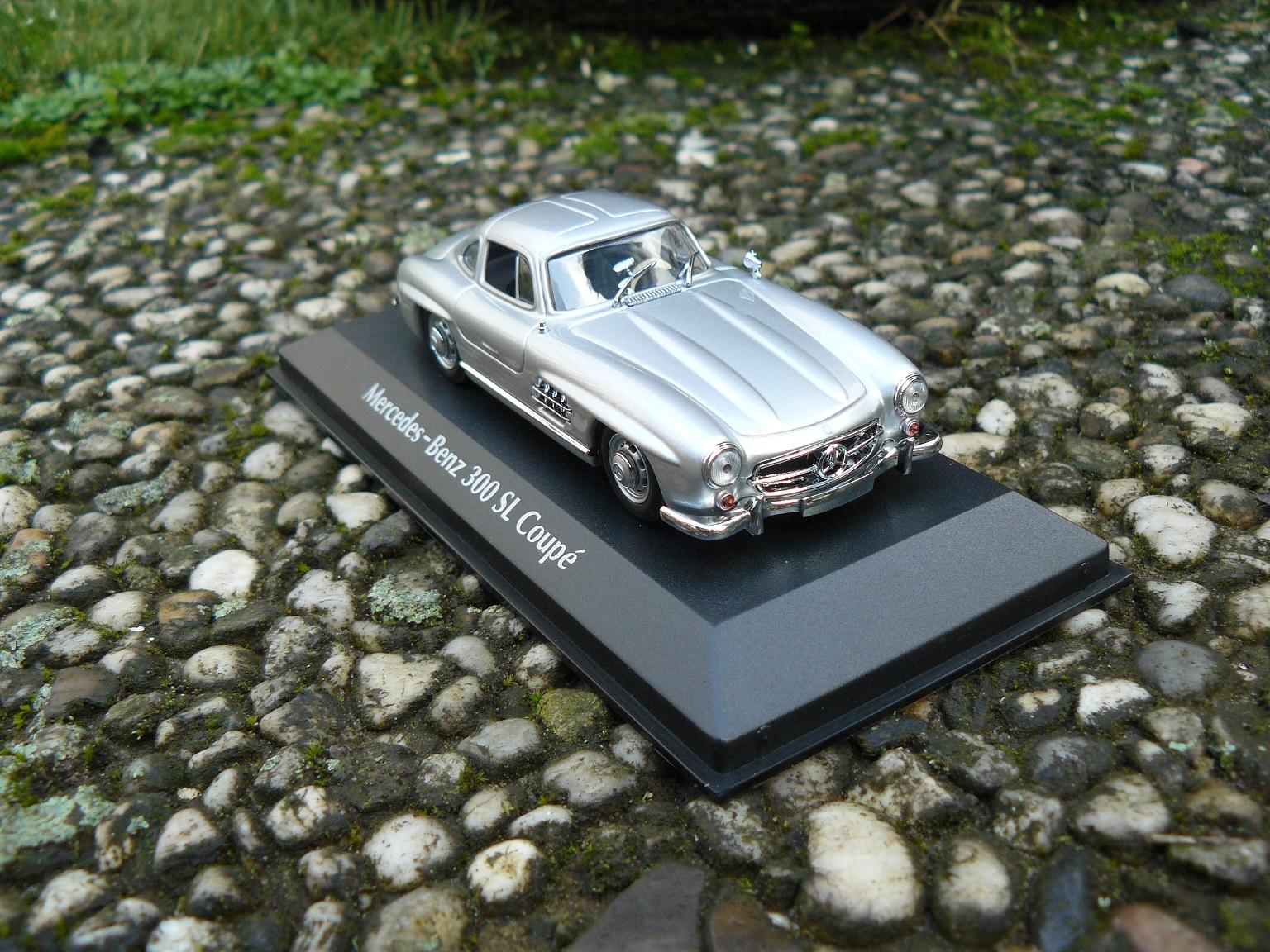 Vleugeldeuren! (Mercedes 300 SL)